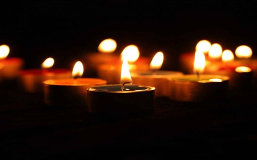 calm-candle-light_w520